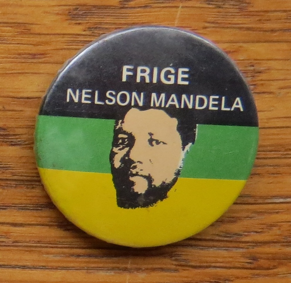 """""""Release Nelson Mandela"""" in Swedish – using a picture rather than a photo"""