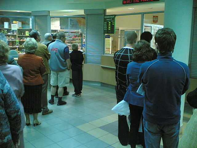 long line at post office queue